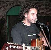 Michel Portela, trovador villaclareño integrante de Trovuntivitis