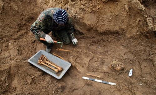 exhumación-Tomask-Waszczuk.jpg